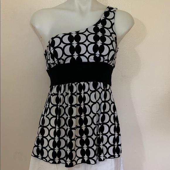 XOXO Tops - XOXO One Shoulder Black & White Blouse  Sz Small